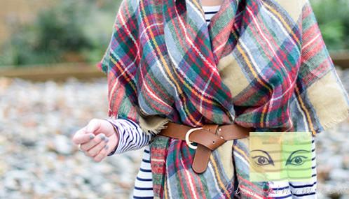 Nổi bật với khăn choàng trong ngày lạnh