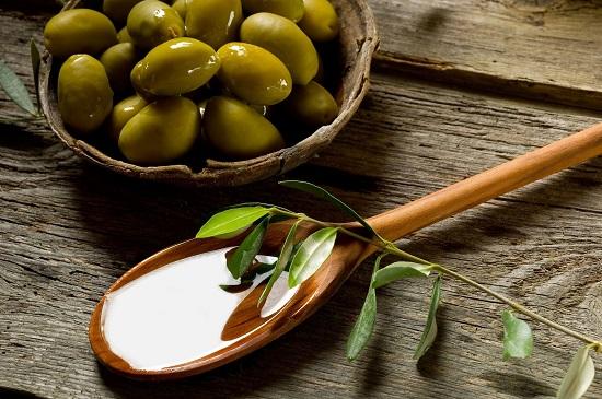 4 mẹo hay mặt nạ trị nám từ dầu oliu
