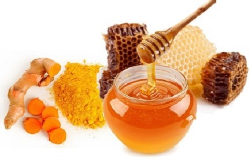 Trị nám sau khi sinh bằng nghệ và mật ong